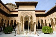 狮子的庭院在阿尔罕布拉宫 免版税库存照片