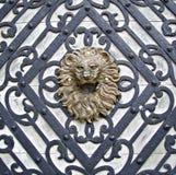 狮子被塑造的把柄 图库摄影