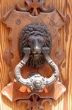 狮子通道门环 免版税库存图片