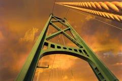 狮子门桥梁电缆支持塔在BC温哥华加拿大 库存照片