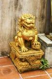 狮子雕塑 免版税库存图片