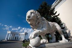 狮子雕塑 库存图片
