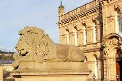 狮子雕象在索尔泰尔,英国 免版税库存照片