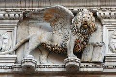 狮子雕象威尼斯 免版税库存照片
