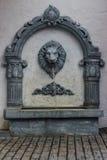狮子雕象龙头 免版税库存图片