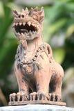 狮子黏土雕象  免版税图库摄影