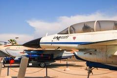 狮式战斗机原型喷气式歼击机驾驶舱被显示在以色列人空军队博物馆 图库摄影