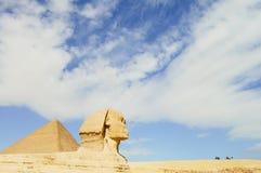 狮身人面象& Khafre金字塔-埃及 库存图片