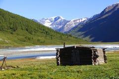 猎人的小屋 免版税库存图片