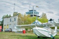 猎户星座SK-12小飞机在Yalutorovsk机场 库存图片