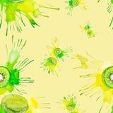 猕猴桃的水彩例证在黄色背景隔绝的汁液飞溅的 无缝的模式 皇族释放例证
