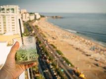 猕猴桃饮料有里约热内卢,巴西背景 图库摄影