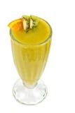 猕猴桃和passionfruit鸡尾酒 库存图片