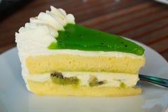 猕猴桃蛋糕。 图库摄影