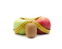猕猴桃,红色和绿色aples 免版税库存图片
