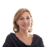 猛击欧洲typ的一名微笑的中年妇女的画象 免版税库存图片