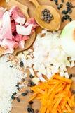 猪肉、米、香料和月桂叶肉饭的 免版税库存图片