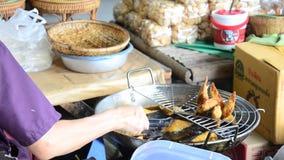 猪肉饺子深深被射击的泰国样式 股票视频