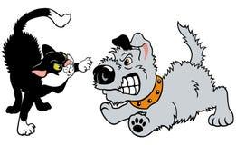 猫和狗战斗 免版税库存图片