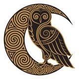 猫头鹰手拉在凯尔特styl,在凯尔特月亮装饰品的背景 向量例证