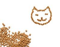 猫新鲜大块的食物 免版税库存图片