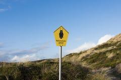 猫头鹰标志-风景保护 免版税库存照片