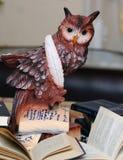 猫头鹰-知识和科学的标志 图库摄影