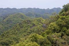 猫Ba国家公园全景 免版税图库摄影