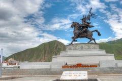玉树(JYEKUNDO),中国- 2014年7月13日:格萨尔王雕象 一famou 库存图片