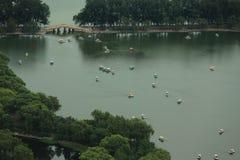 玉渊潭公园在北京,从电视塔的看法 免版税库存图片