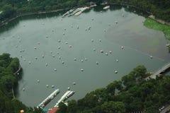 玉渊潭公园在北京,从电视塔的看法 库存图片