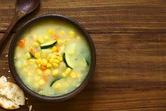 玉米和绿皮胡瓜杂烩 免版税库存图片
