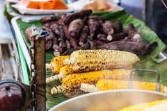 玉米棒子快餐 免版税库存图片