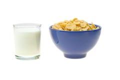 玉米片牛奶 免版税库存图片