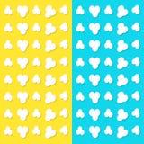玉米花流行的样式 顶面空气视图 心脏形状框架 戏院电影之夜标志标志 鲜美食物 平的设计样式 染黄  库存例证