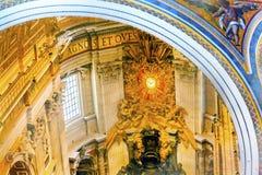 王位圣伯多禄` s大教堂梵蒂冈罗马意大利 库存图片