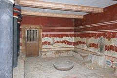 王位屋子的细节Knossos宫殿的 库存图片