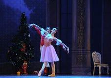 王子邀请了克拉拉到糖果王国参观这芭蕾胡桃钳 库存图片