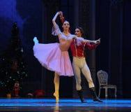 王子邀请了克拉拉到糖果王国参观这芭蕾胡桃钳 免版税库存照片