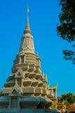 王宫在金边,柬埔寨, stupa 免版税库存图片