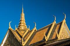 王宫屋顶装饰品装饰,金边,柬埔寨 免版税库存图片