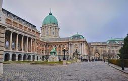 王宫庭院在一个多云冬日 免版税图库摄影