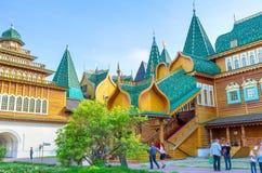 王宫的门廊在Kolomenskoye 免版税图库摄影