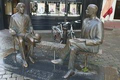 王尔德雕塑,街市戈尔韦市, 2015年5月 免版税图库摄影