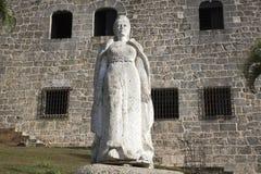 玛丽亚de托莱多 Plaza从Alcazar de Colon (帕拉西奥de地亚哥Colon)的de西班牙 多明戈santo 多米尼加共和国 免版税库存图片
