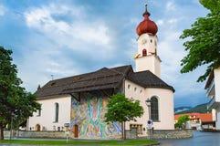 玛丽亚Heimsuchung - Ehrwald,蒂罗尔,奥地利阿尔卑斯教区教堂  库存照片