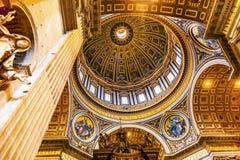 玛丽米开朗基罗圆顶圣伯多禄` s大教堂梵蒂冈罗马意大利 免版税图库摄影