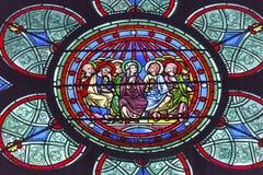 玛丽耶稣基督门徒彩色玻璃Notre Dame巴黎法国 库存照片