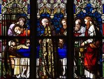 玛丽死亡耶稣的母亲被弄脏的glass_2的 免版税库存照片
