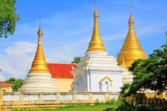 玛哈Aungmye Bonzan修道院的, Innwa,缅甸塔 图库摄影